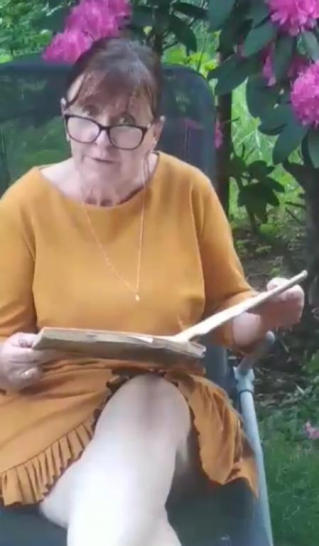 Pani Dyrektor czyta w ramach akcji CPCzD